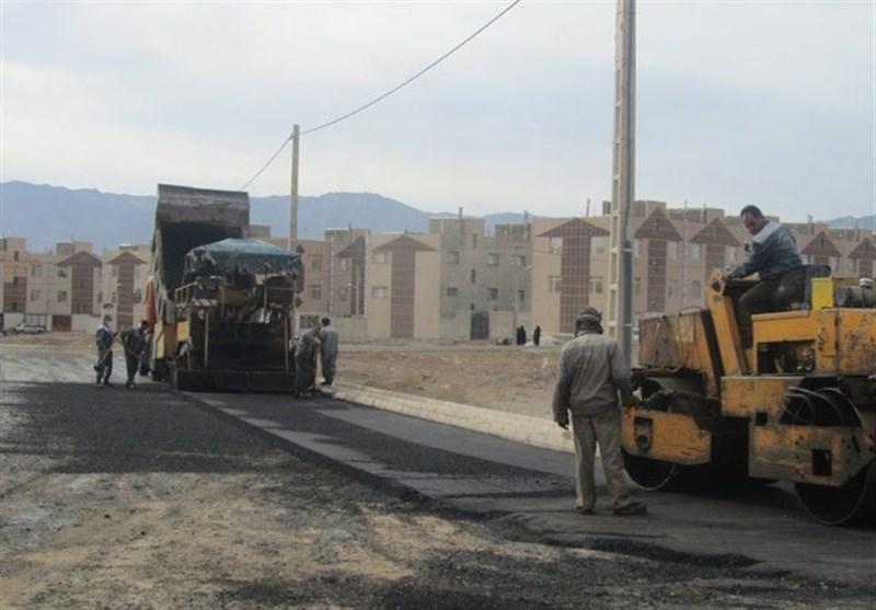 وزیر راه در خرم آباد: راههای تمام روستاهای بالای 50 خانوار کشور آسفالت میشود