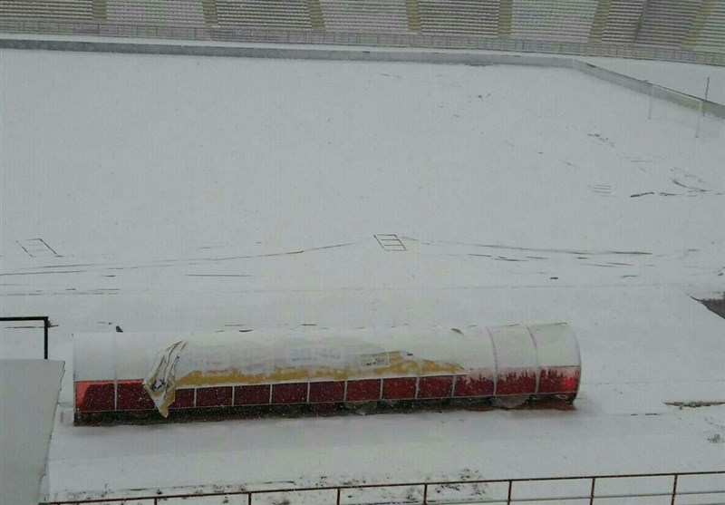 برف ورزشگاه ثامن مشهد