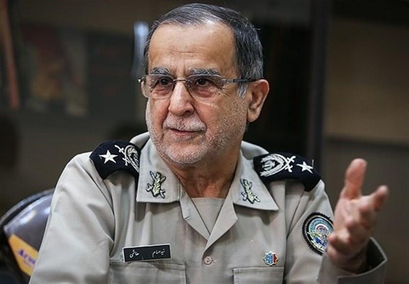 """ارتش جمهوری اسلامی ایران """"مردمی و انقلابی"""" است"""