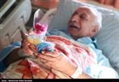 عیادت خادمان مسجد جمکران از بیماران بستری در بیمارستان های قم