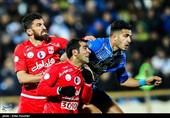 دیدار تیمهای فوتبال استقلال تهران و تراکتورسازی تبریز