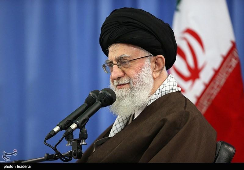 الإمام الخامنئی: أحد أهداف العدو هو التغلغل فی اوساط الشباب والناشئین