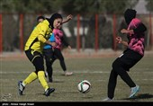 لیگ برتر فوتبال بانوان - دیدار تیم های آینده سازان و قشقایی