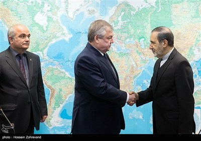 ولایتی یستقبل مبعوث الرئیس الروسی الخاص الى سوریا