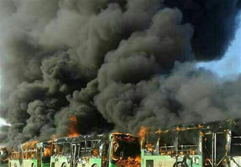 المسلحون یحرقون عدد من الباصات المتوجهة إلى کفریا والفوعة+فیدیو وصور
