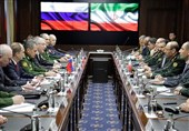 Iranian, Russian Defense Ministers Discuss Syria Crisis