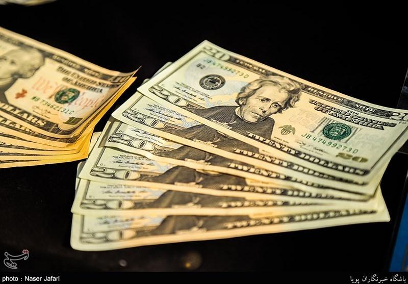 دلار با حضور 10 دقیقهای پلیس 100 تومان ارزان شد