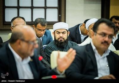 بازدید هاشمی رفسنجانی از بندر بوشهر و دهکده گردشگری