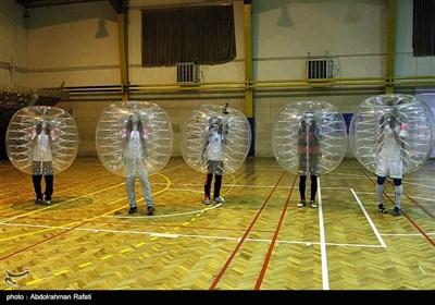فوتبال حبابی در همدان