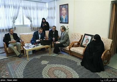 دیدارجمعی از جامعه قرآنی با خانواده شهید ابراهیم لشکری نژاد ( شهید طلبه قرآنی)
