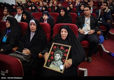 حضور خانواده شهدا در کنگره سراسری 6500 شهید فاوا دفاع مقدس