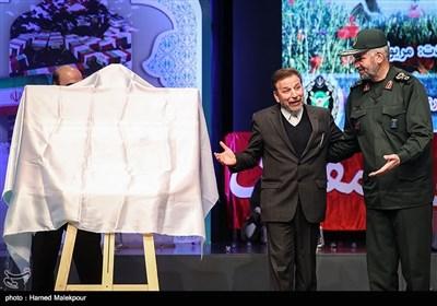سردار علی فضلی جانشین سازمان بسیج مستضعفین و محمود واعظی وزیر ارتباطات در کنگره سراسری 6500 شهید فاوا دفاع مقدس