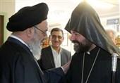 مسلمانان و مسیحیان جهان با تکیه بر اشتراکات دینی پیام صلح را به جهان مخابره کنند