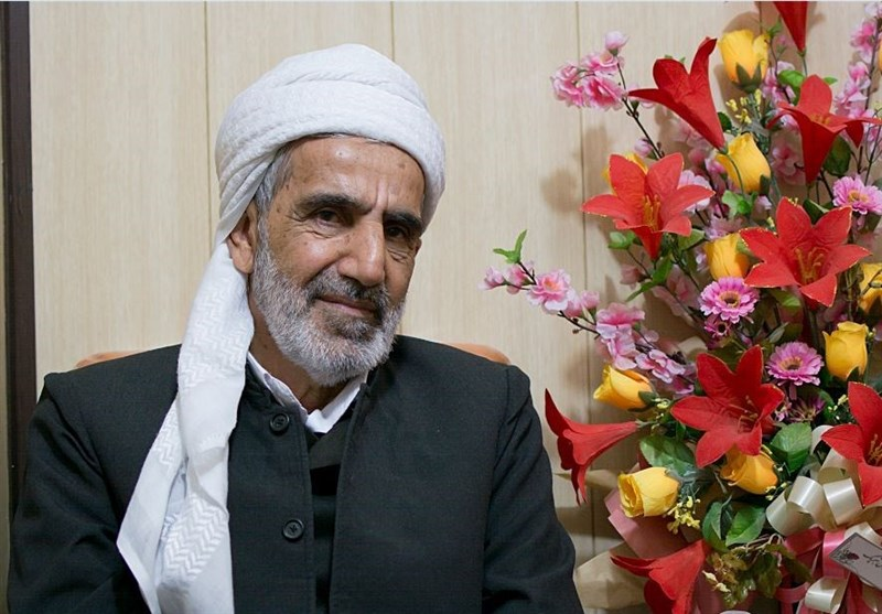 """ماموستا رستمی: اعلام عید فطر بدون حکم مقام معظم رهبری در هیچ نقطهای از کشور """"قابل قبول"""" نیست"""