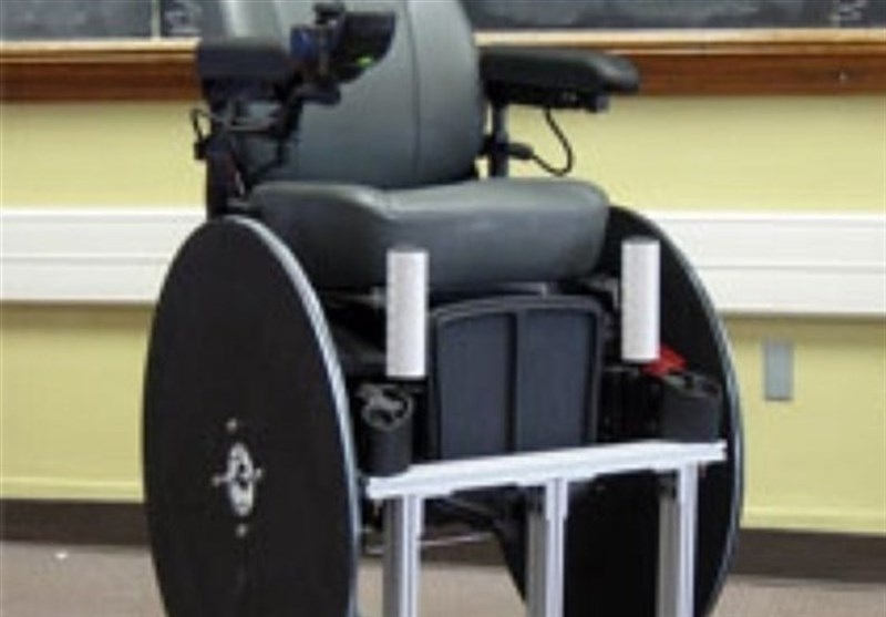 باحثون ایرانیون یصممون کرسی للمقعدین تتحرک بواسطة اشارات الدماغ