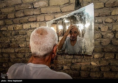 ایران کے شہر مشہد میں ہاتھ کتائی
