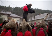 Romania: Bear dance to chase away evil spirits before New Year