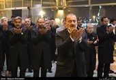 اهتزاز پرچم گنبد حرم سیدالکریم (ع) برفراز برج میلاد