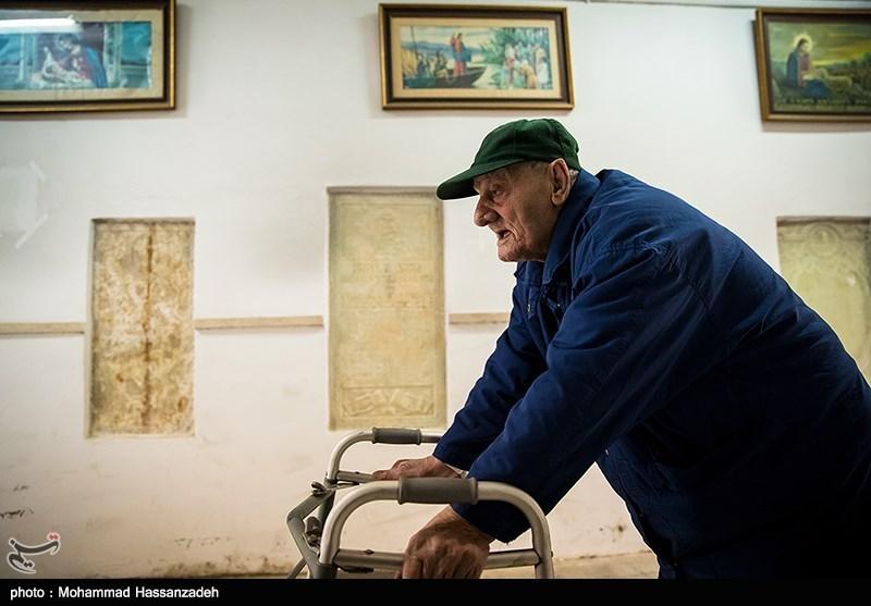بیش از 90 درصد نهادهای دولتی جیرفت برای سالمندان مناسبسازی شده است