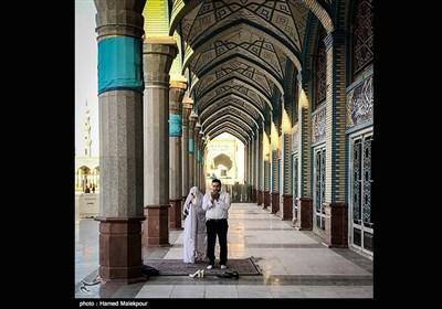 اقامه نماز عروس و داماد در مسجد مقدس جمکران