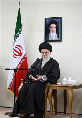 الإمام الخامنئی یستقبل مجموعة من نخب جامعة شریف الصناعیة