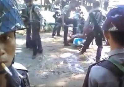 ضرب و شتم مسلمانان روهینگیایی توسط پلیس میانمار