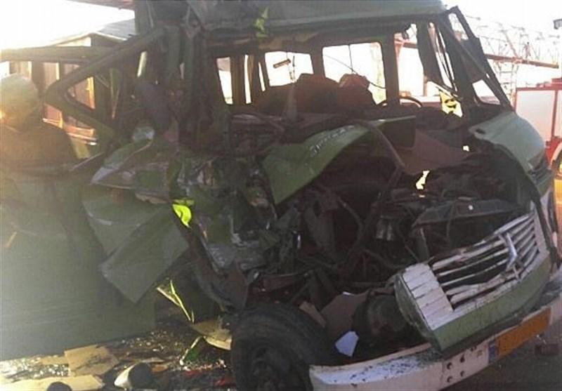 6 نفر در تصادف مینیبوس با کامیون در محور همدان - بیجار کشته شدند