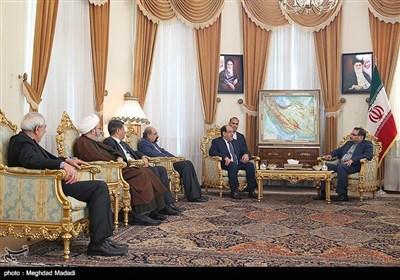 علی شمخانی یلتقی نوری المالکی فی طهران