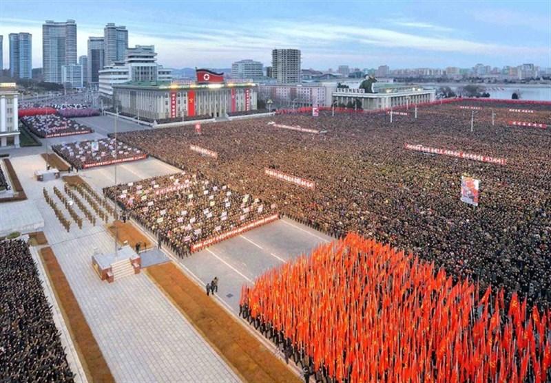 کوریا الشمالیة تتحدى أمریکا وتعرض صاروخا بالیستیا للمرة الأولى