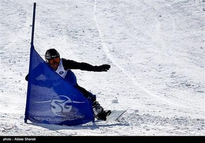 تہران کے نزدیک ڈیزین تزلج گاہ میں اسنوبورڈ مقابلے