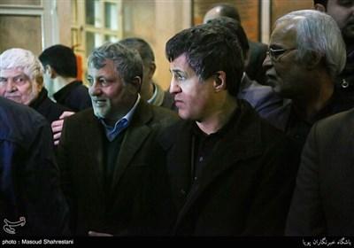 جموع غفیرة تودع آیة الله هاشمی رفسنجانی فی حسینیة جماران