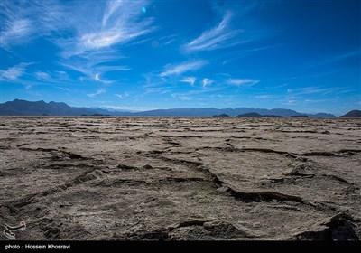 نفس های آخر دریاچه بختگان - فارس