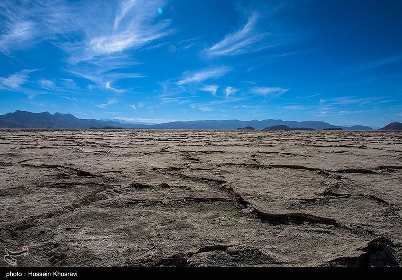 بحران در تالابهای ایران| روزگار سیاه بزرگترین دریاچه آب شیرین خاورمیانه / دریاچه پریشان در بیخیالی دولت کاملا خشک شد + فیلم