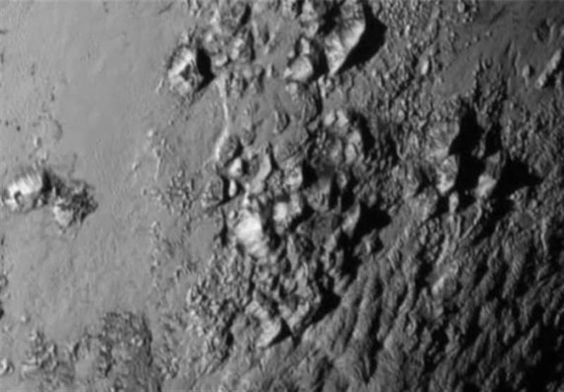 برج های 487 متری در سیاره پلوتو کشف شد