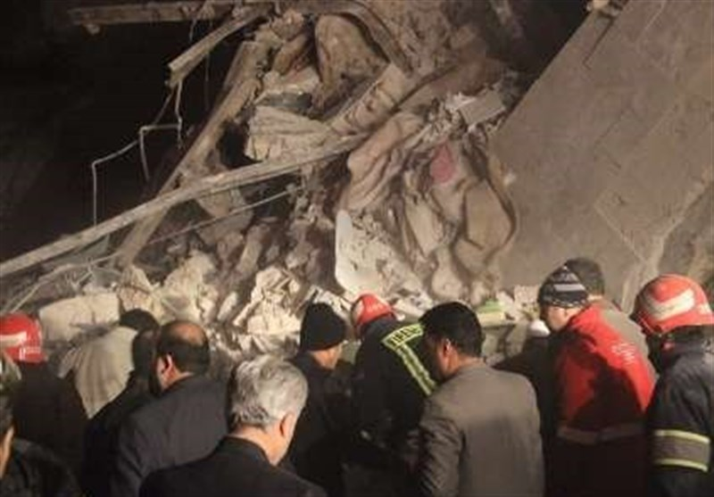 مرگ زن جوان و دو فرزندش بر اثر مدفون شدن زیر آوار ساختمان 4 طبقه