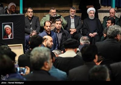حجتالاسلام حسن روحانی رئیس جمهور در مراسم وداع با پیکر آیت الله اکبر هاشمی رفسنجانی - حسینیه جماران