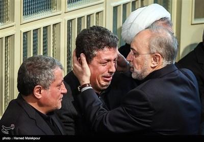 علیاکبر صالحی رئیس سازمان انرژی اتمی در مراسم وداع با پیکر آیت الله اکبر هاشمی رفسنجانی - حسینیه جماران