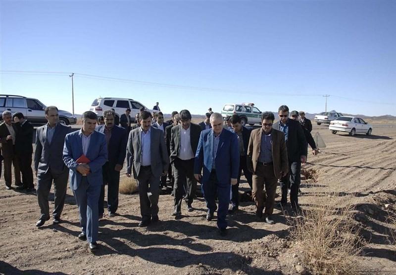 استاندار خراسان جنوبی از پدیده فرونشست زمین در سرایان بازدید کرد