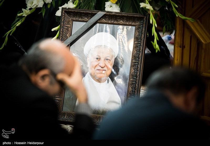 مراسم تشییع آیتالله هاشمی رفسنجانی نشانه وفاداری همگانی به انقلاب است