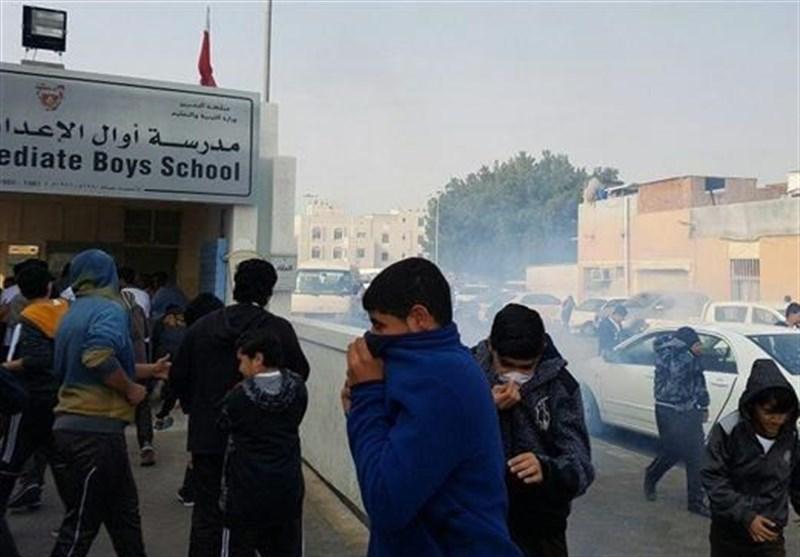 دانش آموزان بحرینی پس از امتحان با گاز اشک آور پذیرایی شدند