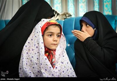 حنانه و ملیکا کریمی دختران شهید جاویدالاثر مدافع حرم مرتضی کریمی