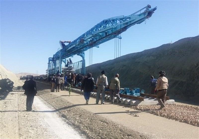 عملیات ریلگذاری راهآهن همدان ـ تهران از سر گرفته شد