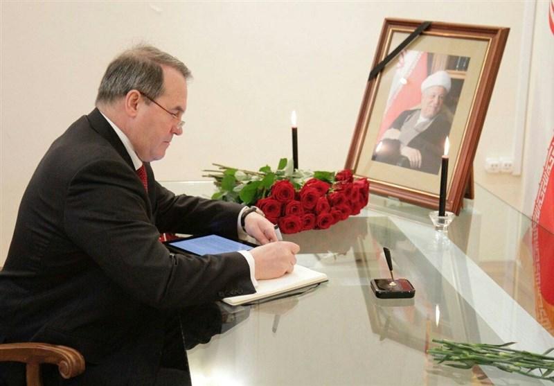 حضور نمایندگان 50 کشور در سفارت ایران در مسکو به مناسبت درگذشت آیت الله هاشمی
