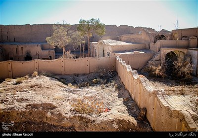 اطراف قلعه جلالی و حصار قدیمی کاشان