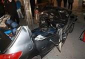 اتاقک 206 بر اثر تصادف با تیر چراغبرق متلاشی شد + تصاویر