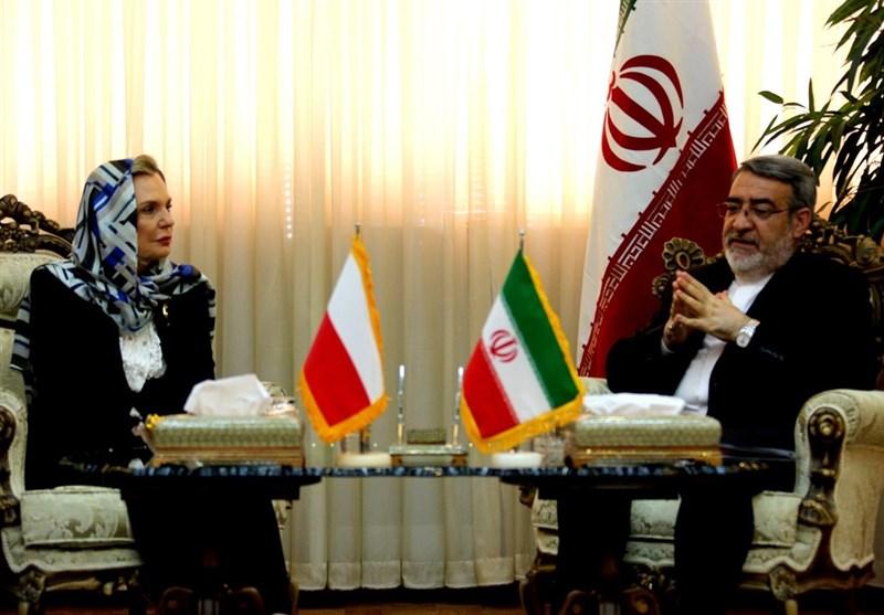 وزیر الداخلیة الایرانی یؤکد ضرورة تکاتف جمیع الدول لمکافحة الارهاب