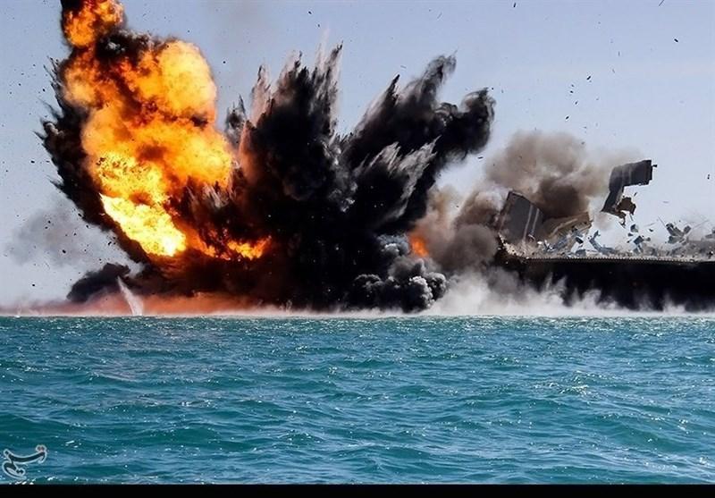 تمرین مقابله با ناو هواپیمابر آمریکایی توسط سپاه در خلیج فارس+فیلم