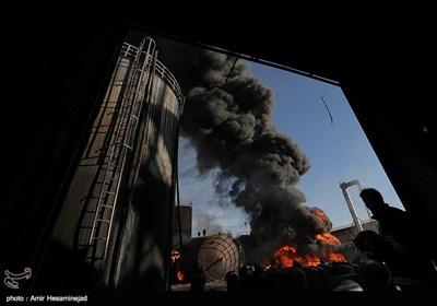 آتشسوزی مهیب و گسترده در شهرک صنعتی شکوهیه قم