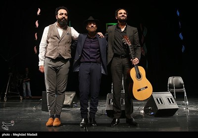 اجرای گروه اسپانیایی داکوئنده و دلمورائو در پنجمین شب سی و دومین جشنواره موسیقی فجر