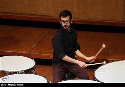 اجرای آنسامبل پرکاشن تهران در پنجمین شب سی و دومین جشنواره موسیقی فجر